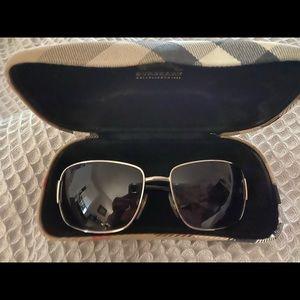 Burberry sunglasses with original case and box